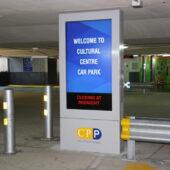 señalización digital en parkings